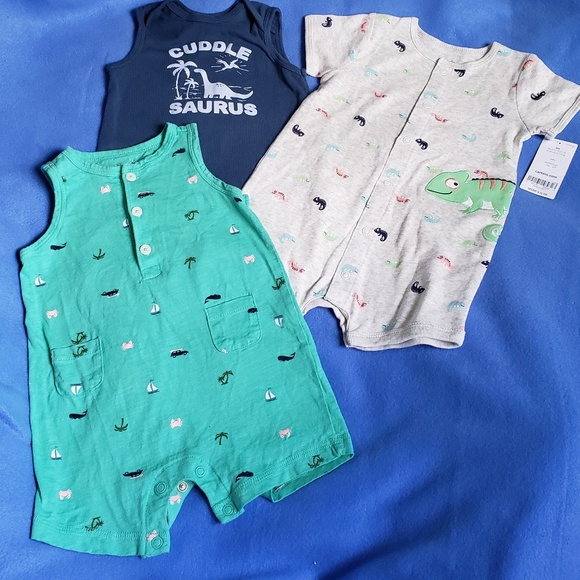 Carter's Other - 4/$24 - 3 Carter's Rompers - 6 Months